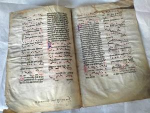 写真:14世紀のコデックスの写本